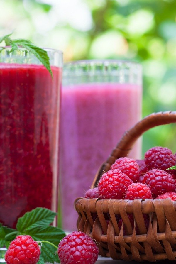 To make a coconut milk smoothie for weight loss, you need to know which healthy, clean eating recipes to avoid! You can't just throw any fruit in a blender. Check out these simple low carb tips now!